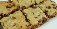 6 best desserts coconut chocolate chunk blondies
