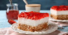 southern strawberry pretzel salad